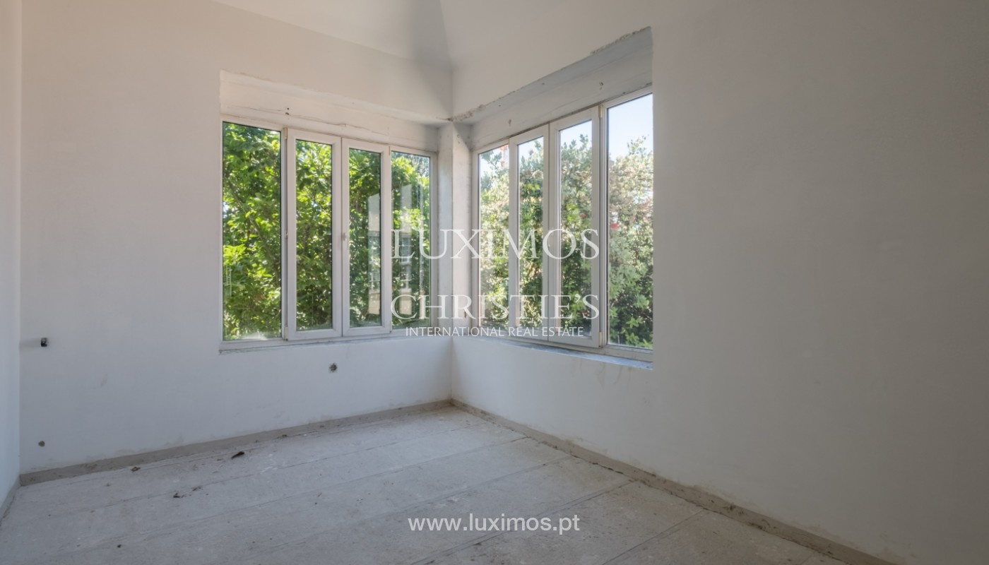 Remodel house, for sale, in the center of Porto, Portugal_144816