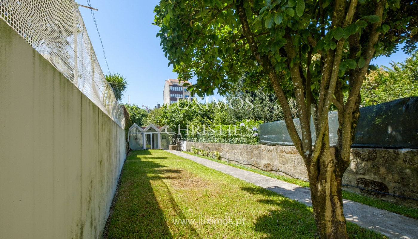 Remodel house, for sale, in the center of Porto, Portugal_144858