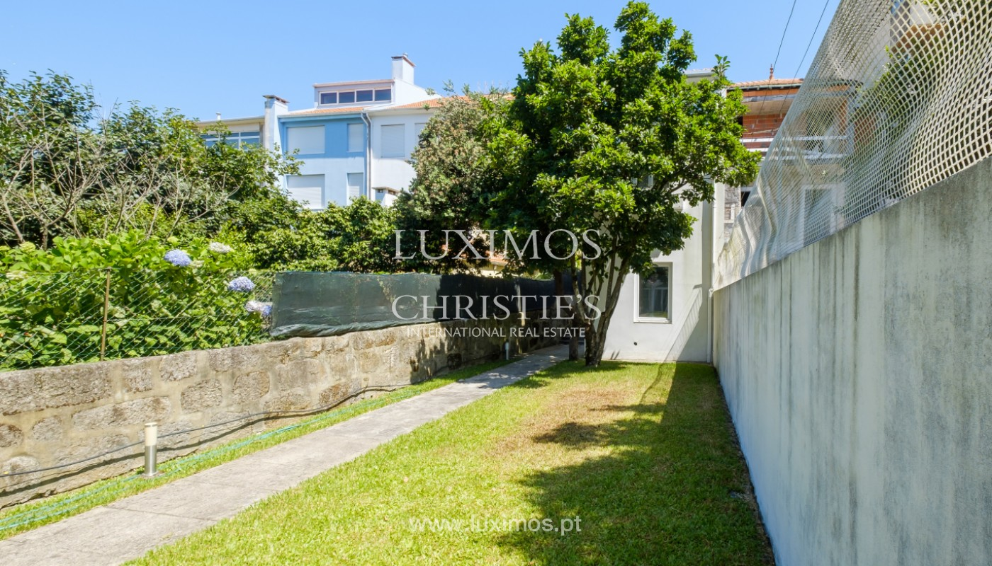 Remodel house, for sale, in the center of Porto, Portugal_144860