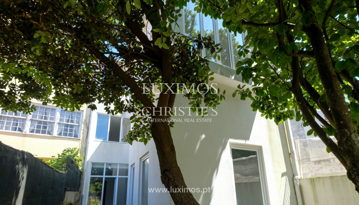 Remodel house, for sale, in the center of Porto, Portugal_144861