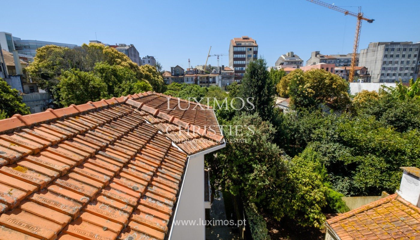 Remodel house, for sale, in the center of Porto, Portugal_144862