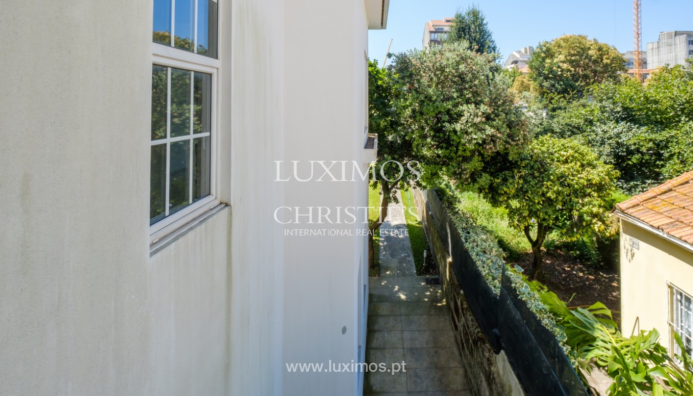 Remodel house, for sale, in the center of Porto, Portugal_144863