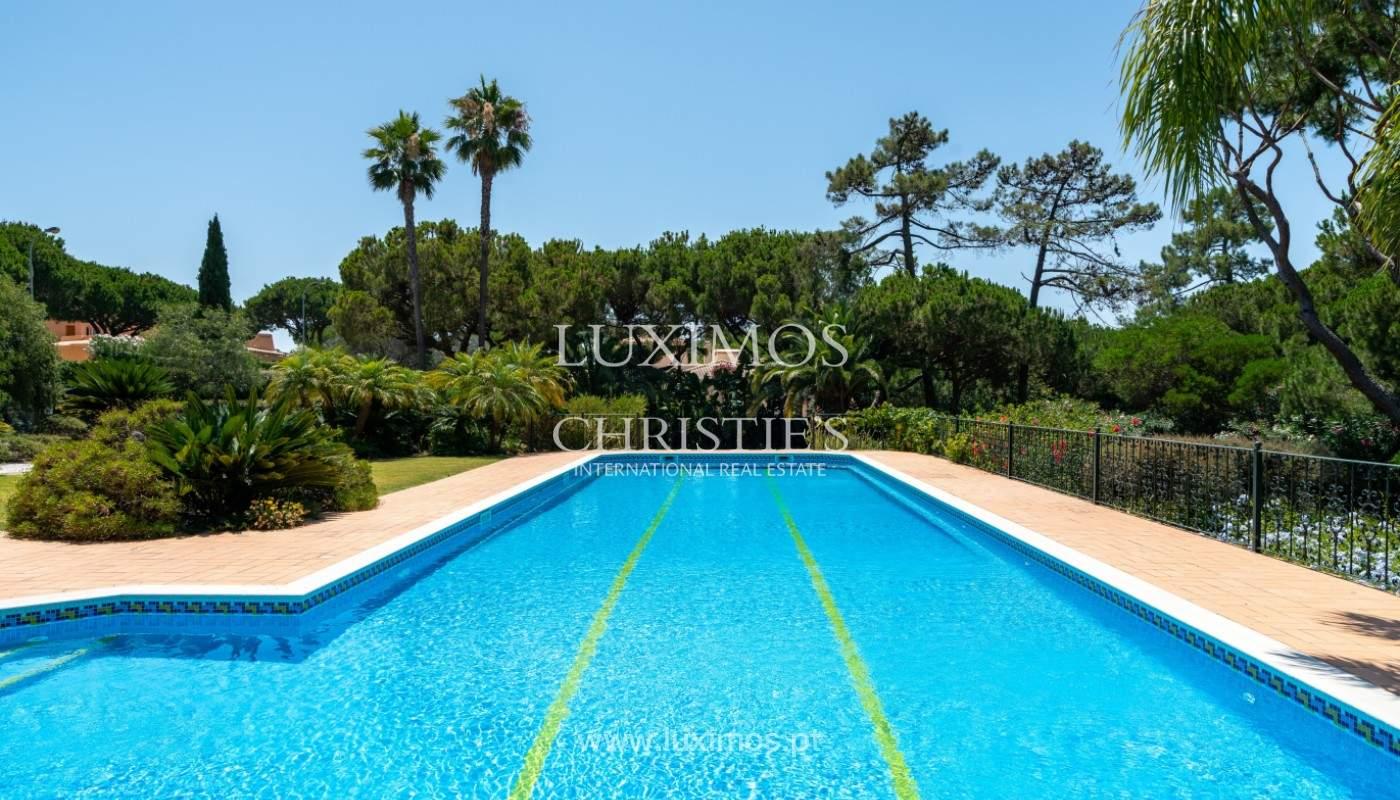 Luxuosa moradia, V5, com piscina e jardim, Vilamoura, Algarve_145139
