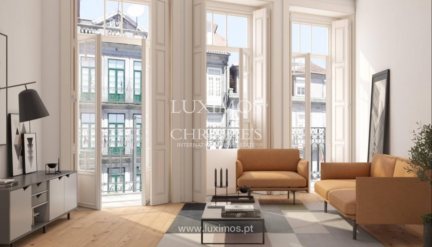 Apartment with mezzanine and balcony, in the center of Porto, Portugal_145264