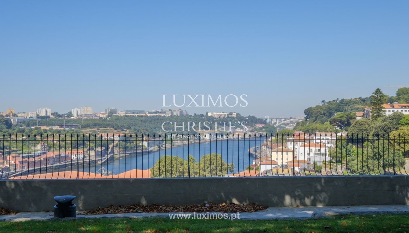 Sale of duplex apartment with city and river views, in Porto, Portugal_145749