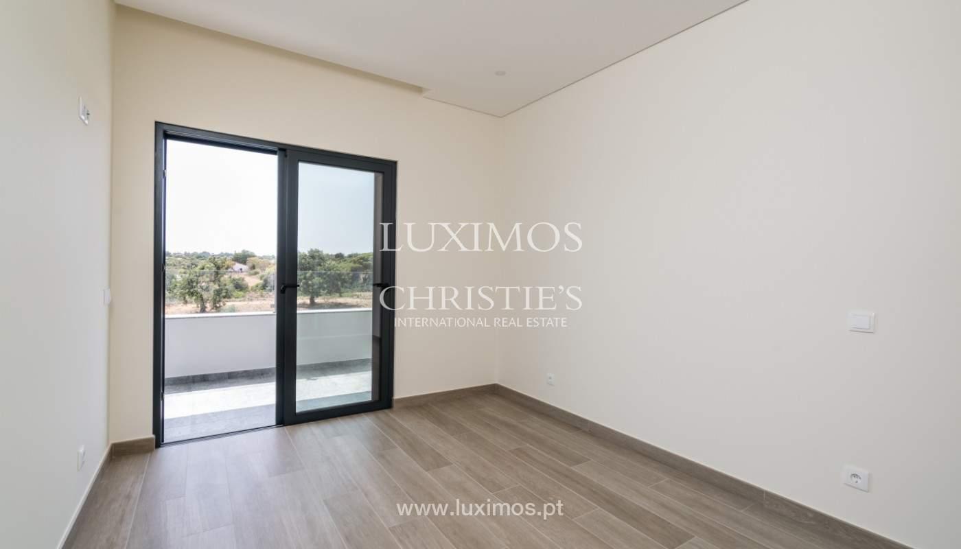 Villa de 5 habitaciones, con piscina y jardín, en venta, Armação de Pêra, Algarve_145787