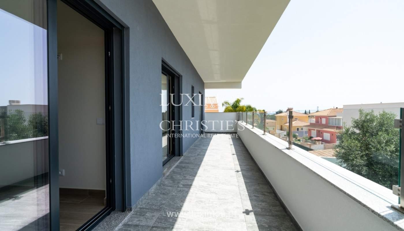 Villa de 5 habitaciones, con piscina y jardín, en venta, Armação de Pêra, Algarve_145791