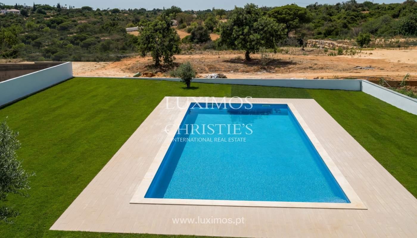 Villa de 5 habitaciones, con piscina y jardín, en venta, Armação de Pêra, Algarve_145792
