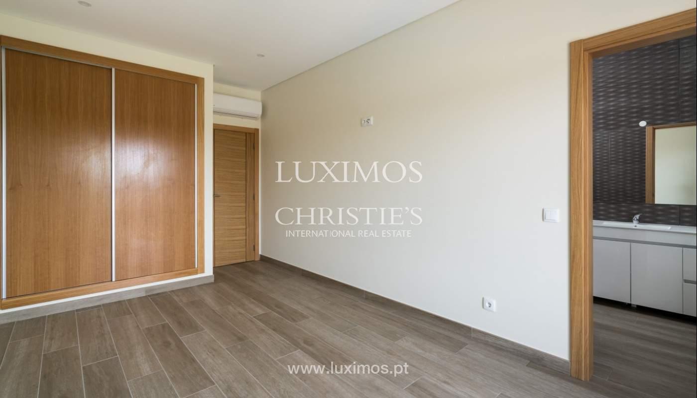 Villa de 5 habitaciones, con piscina y jardín, en venta, Armação de Pêra, Algarve_145795