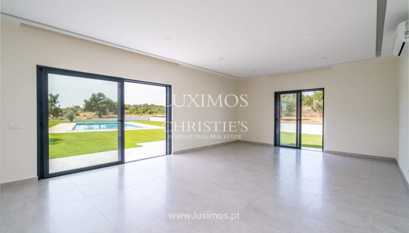 Villa de 5 habitaciones, con piscina y jardín, en venta, Armação de Pêra, Algarve_145823