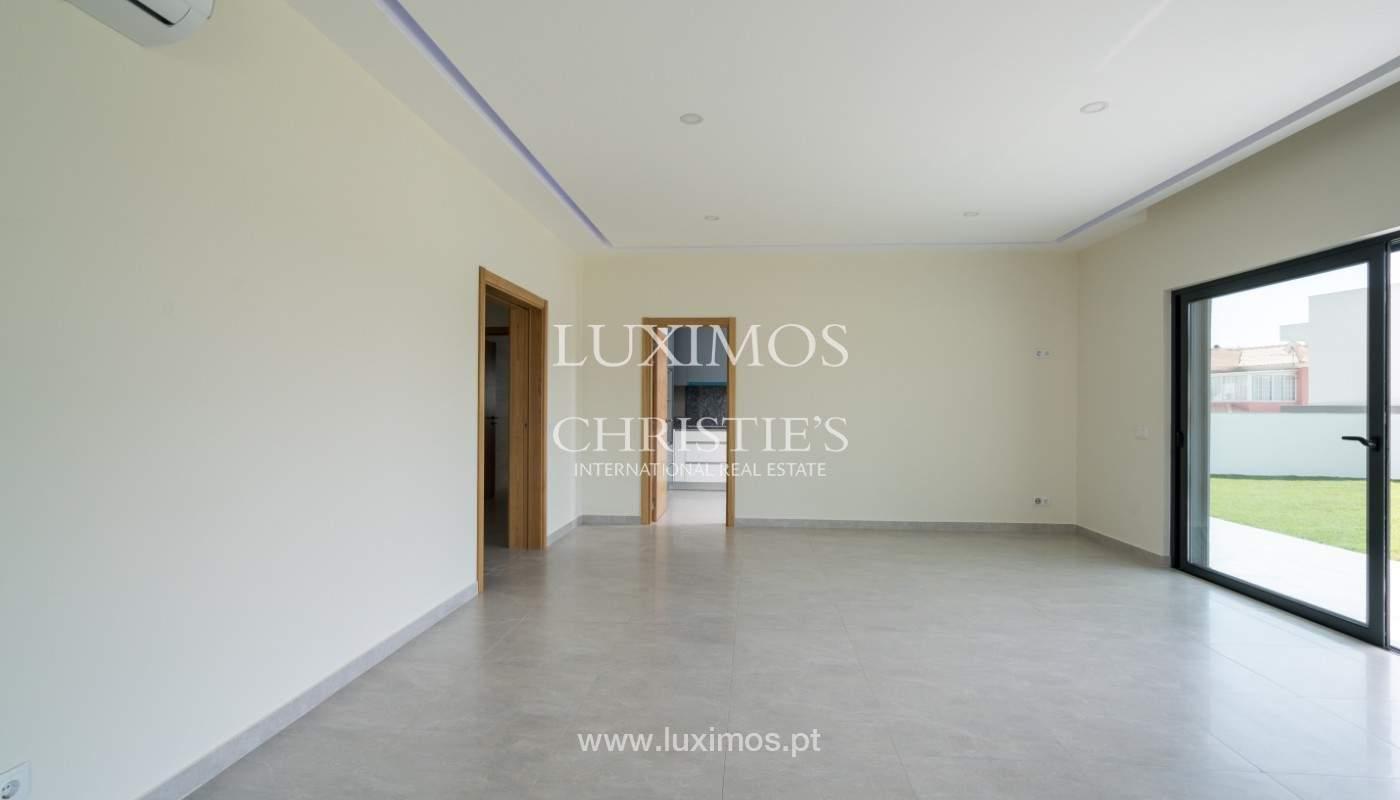 Villa de 5 habitaciones, con piscina y jardín, en venta, Armação de Pêra, Algarve_145825