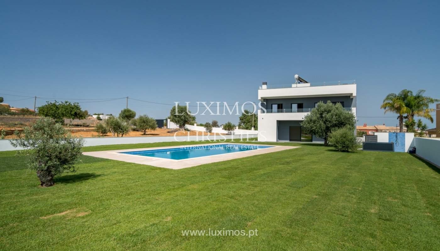 Villa de 5 habitaciones, con piscina y jardín, en venta, Armação de Pêra, Algarve_145832