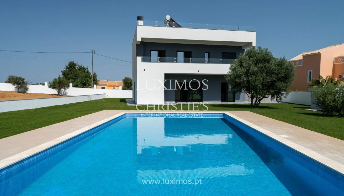 Villa de 5 habitaciones, con piscina y jardín, en venta, Armação de Pêra, Algarve_145835