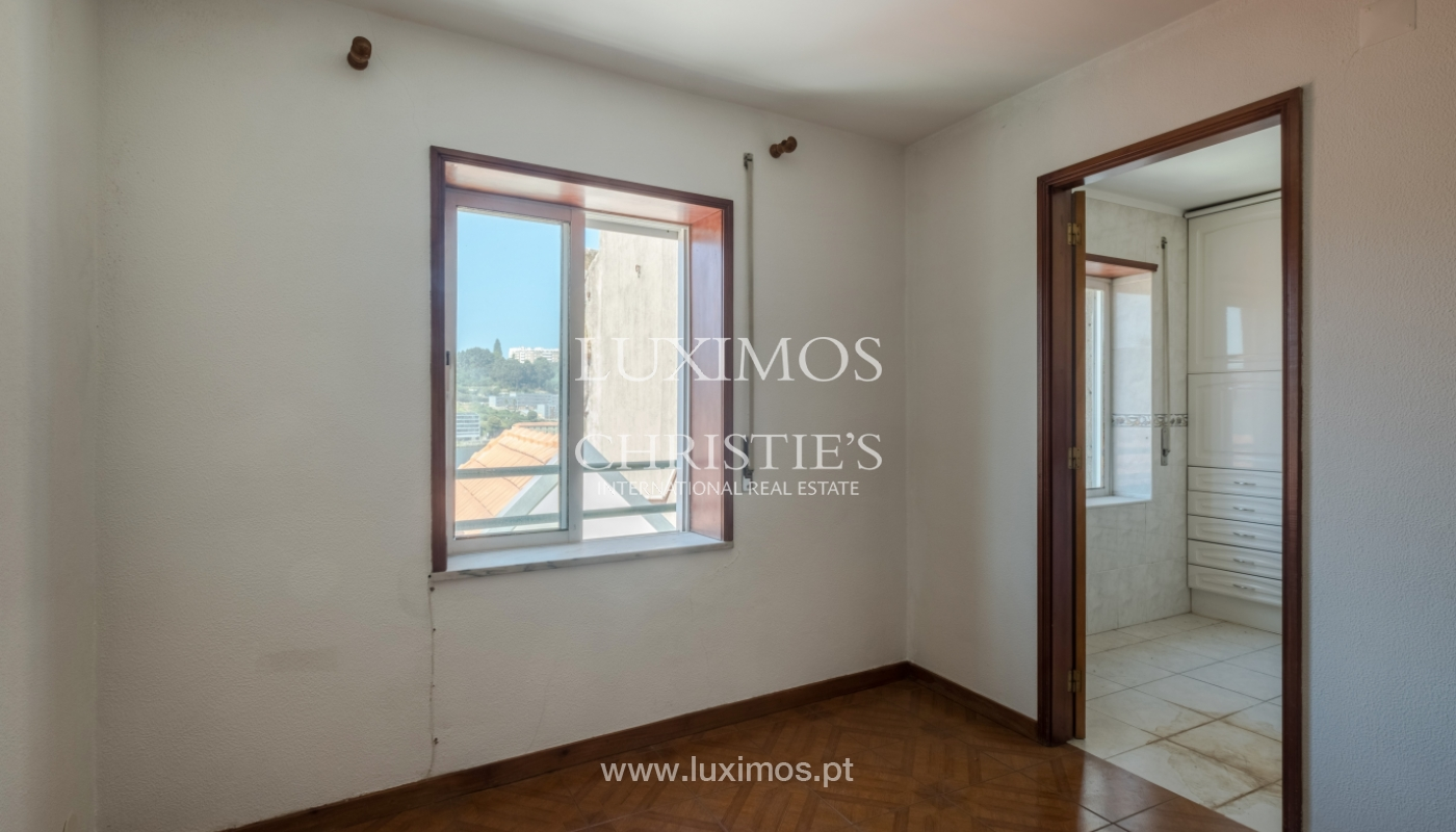 Building with river view, for sale, in Porto City Centre, Portugal_146012