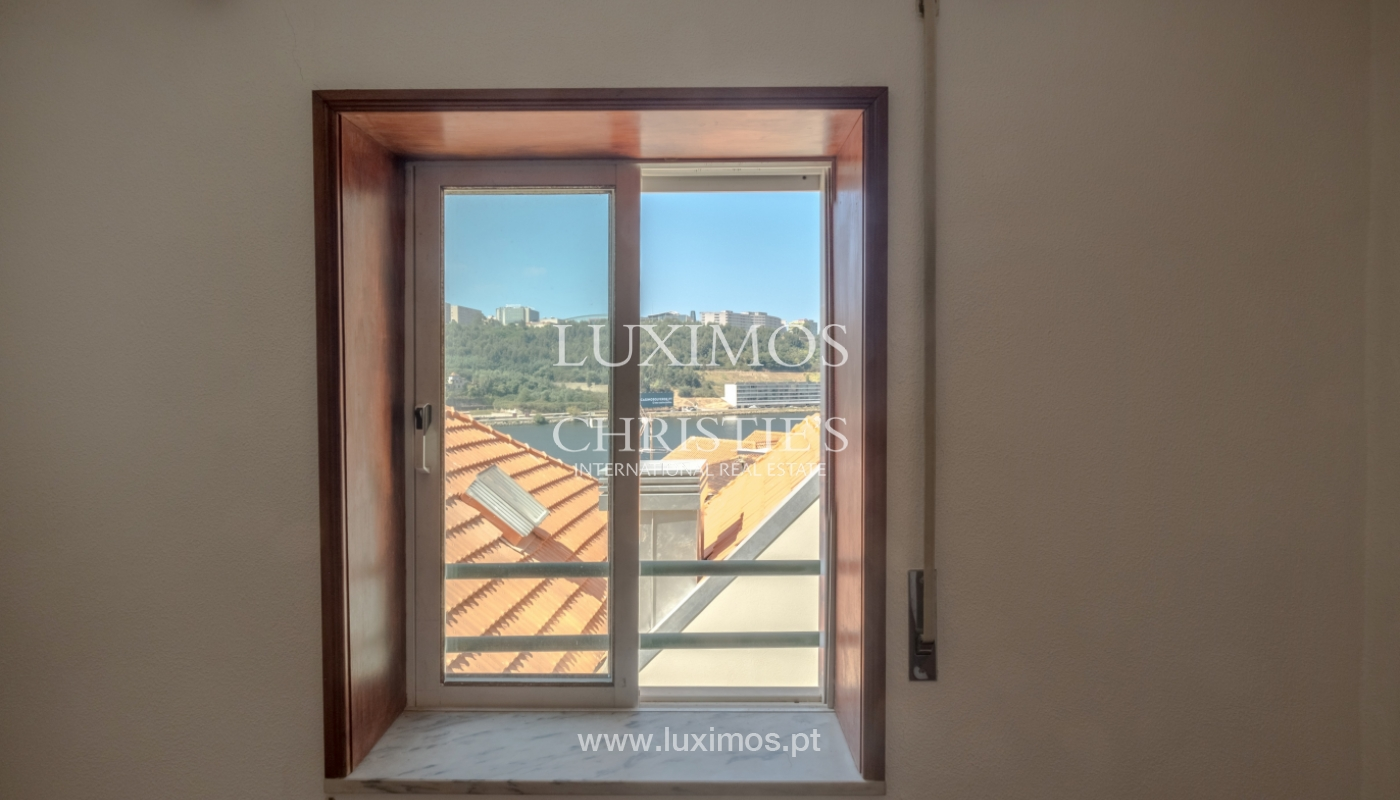 Building with river view, for sale, in Porto City Centre, Portugal_146030