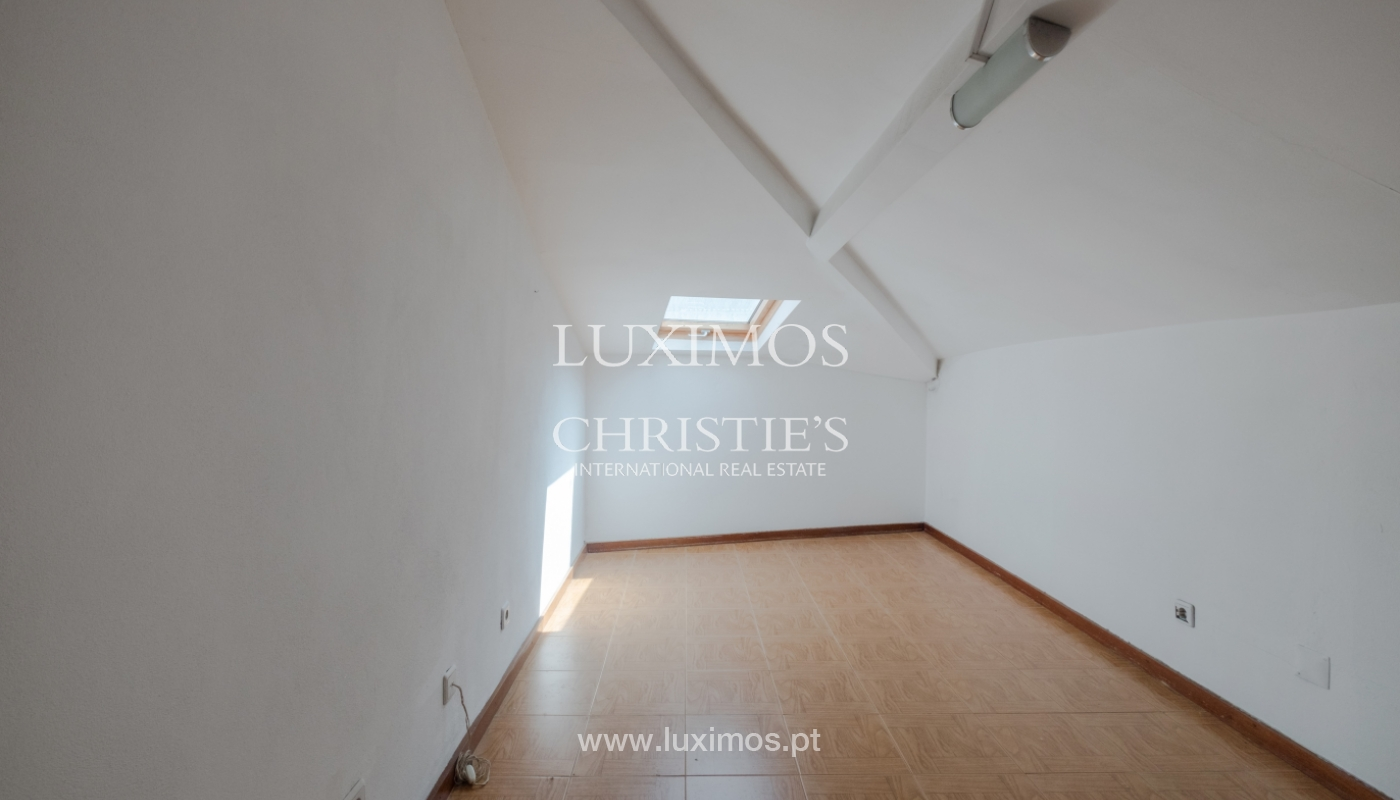 Building with river view, for sale, in Porto City Centre, Portugal_146037