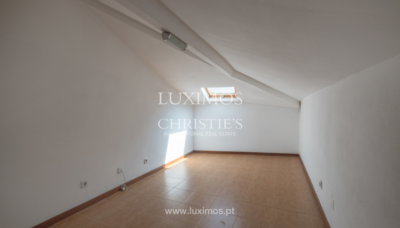 Building with river view, for sale, in Porto City Centre, Portugal_146039