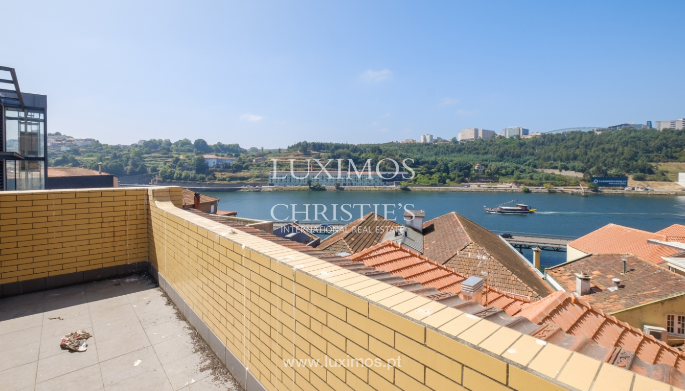 Building with river view, for sale, in Porto City Centre, Portugal_146047