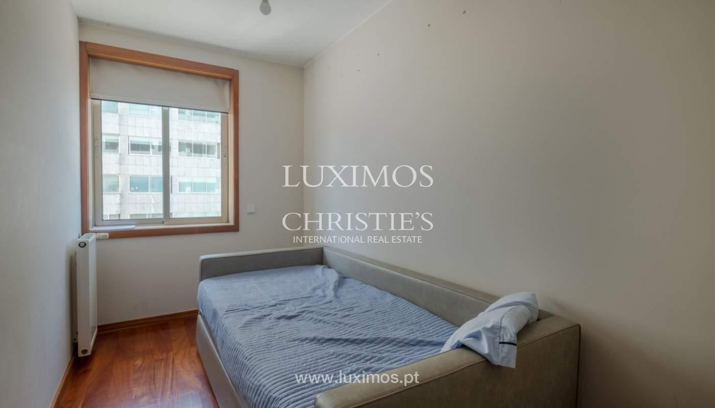 Venda de apartamento em 1ª linha de mar, Leça da Palmeira_146536
