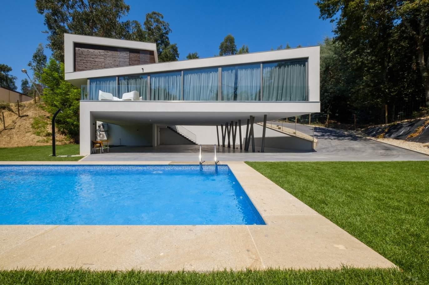 maison-moderne-et-luxueuse-avec-piscine-a-ponte-de-lima-portugal