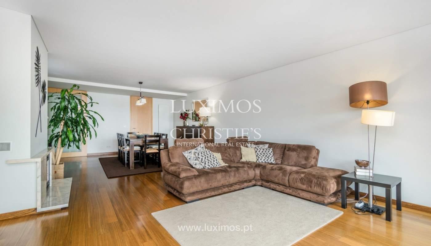 Sale: apartment with balcony and river views, Campanhã, Porto, Portugal_147589