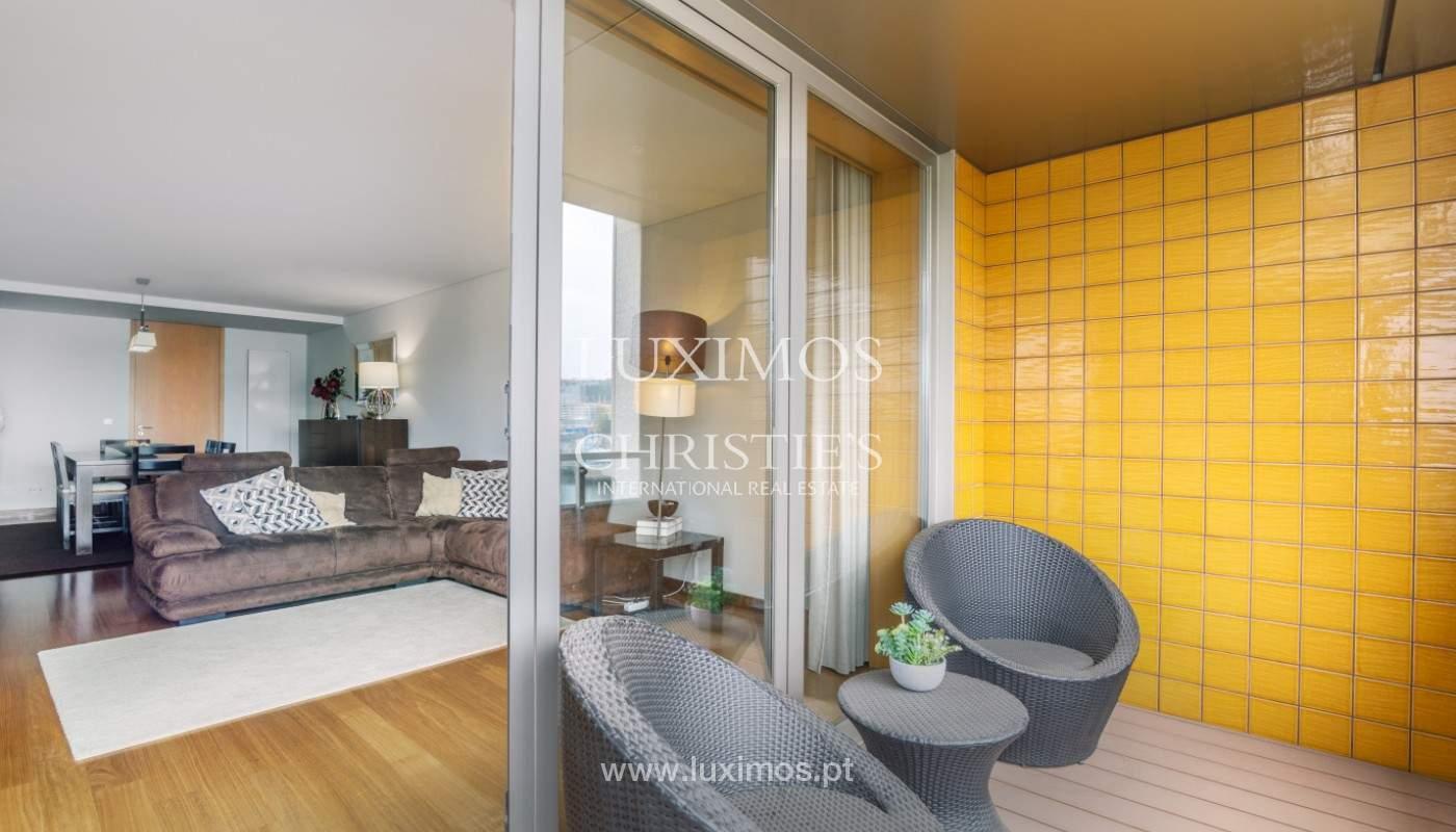Sale: apartment with balcony and river views, Campanhã, Porto, Portugal_147591