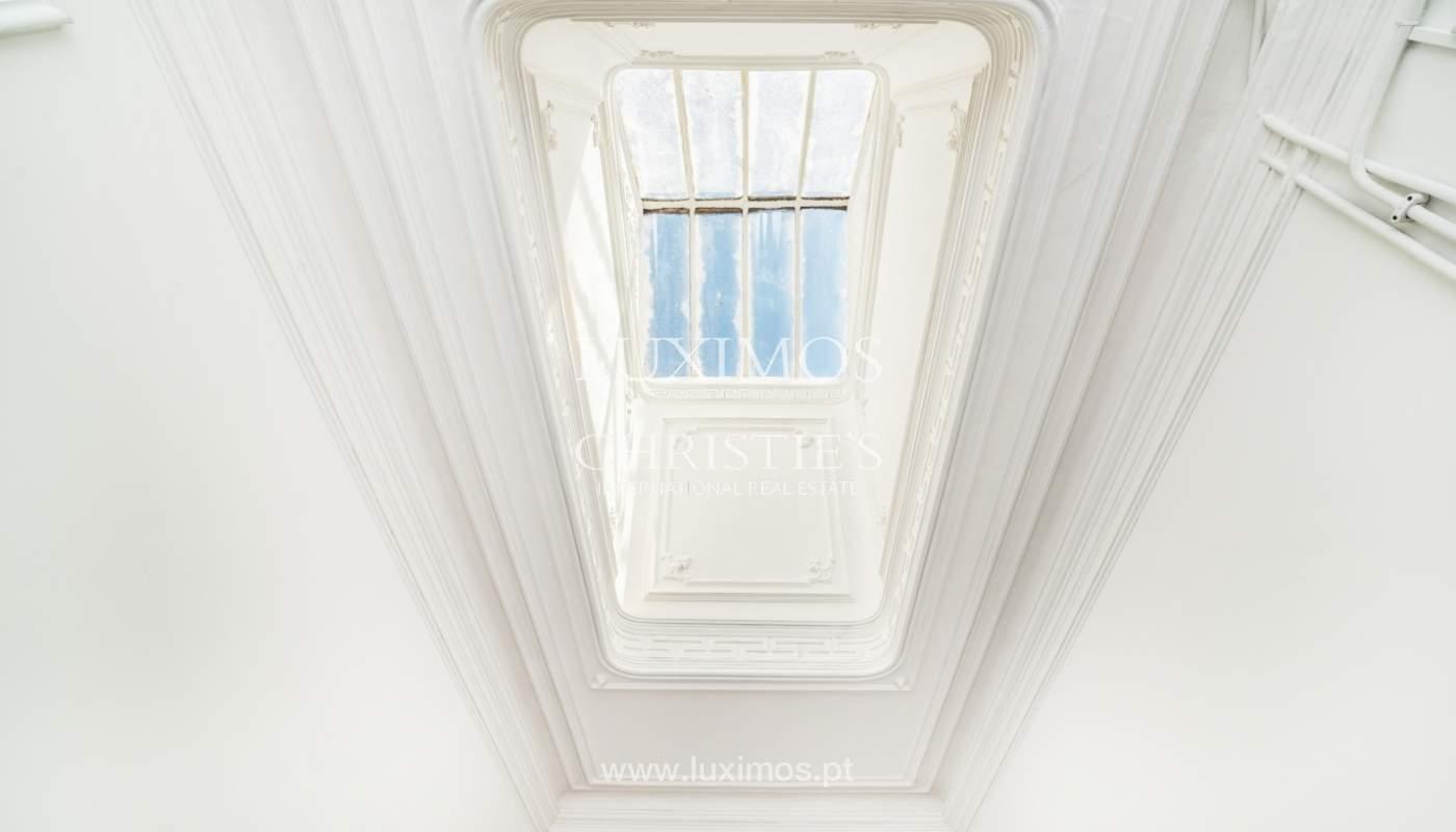 Venda de apartamento remodelado, no Centro do Porto_148659