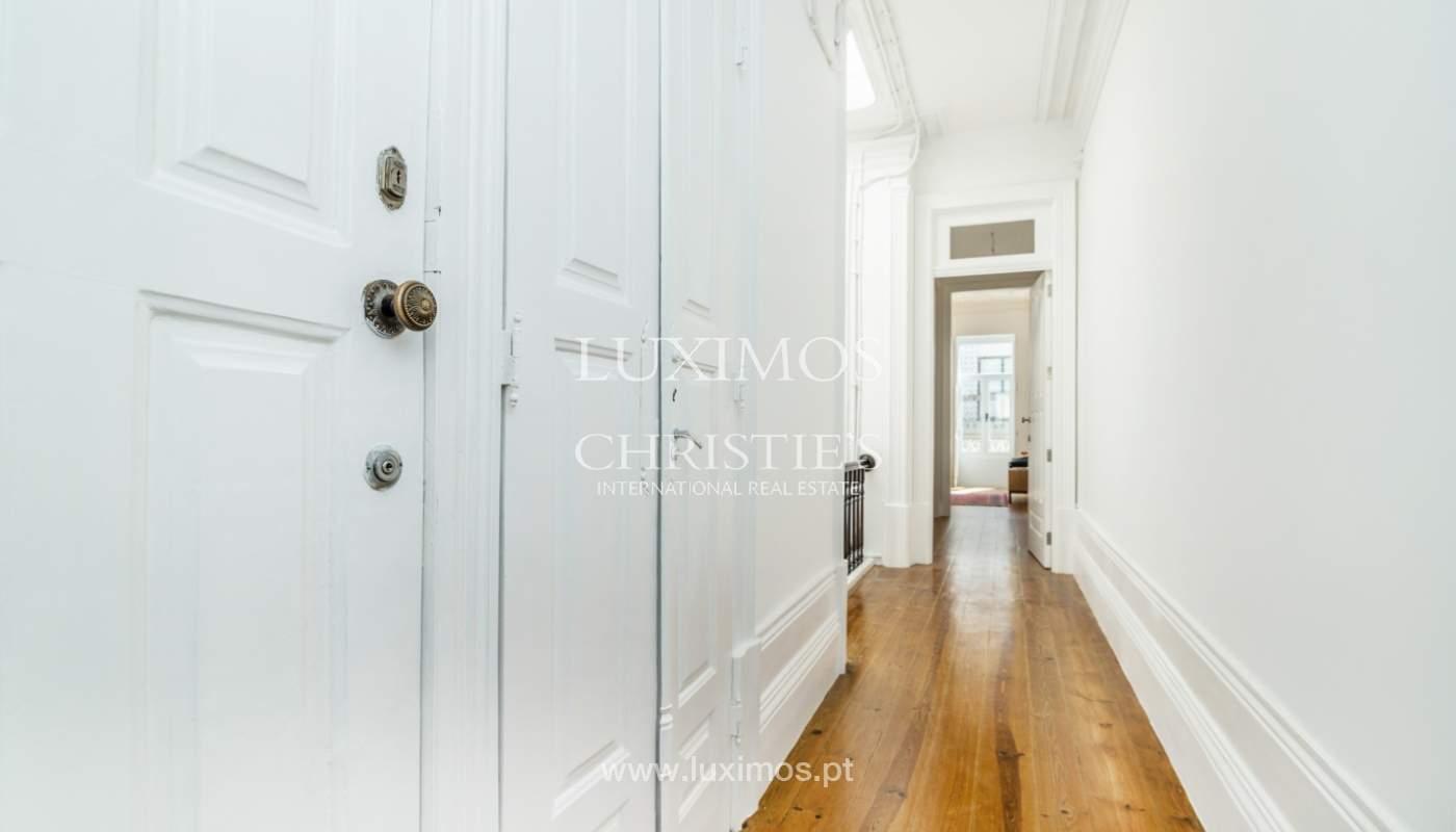 Venda de apartamento remodelado, no Centro do Porto_148660