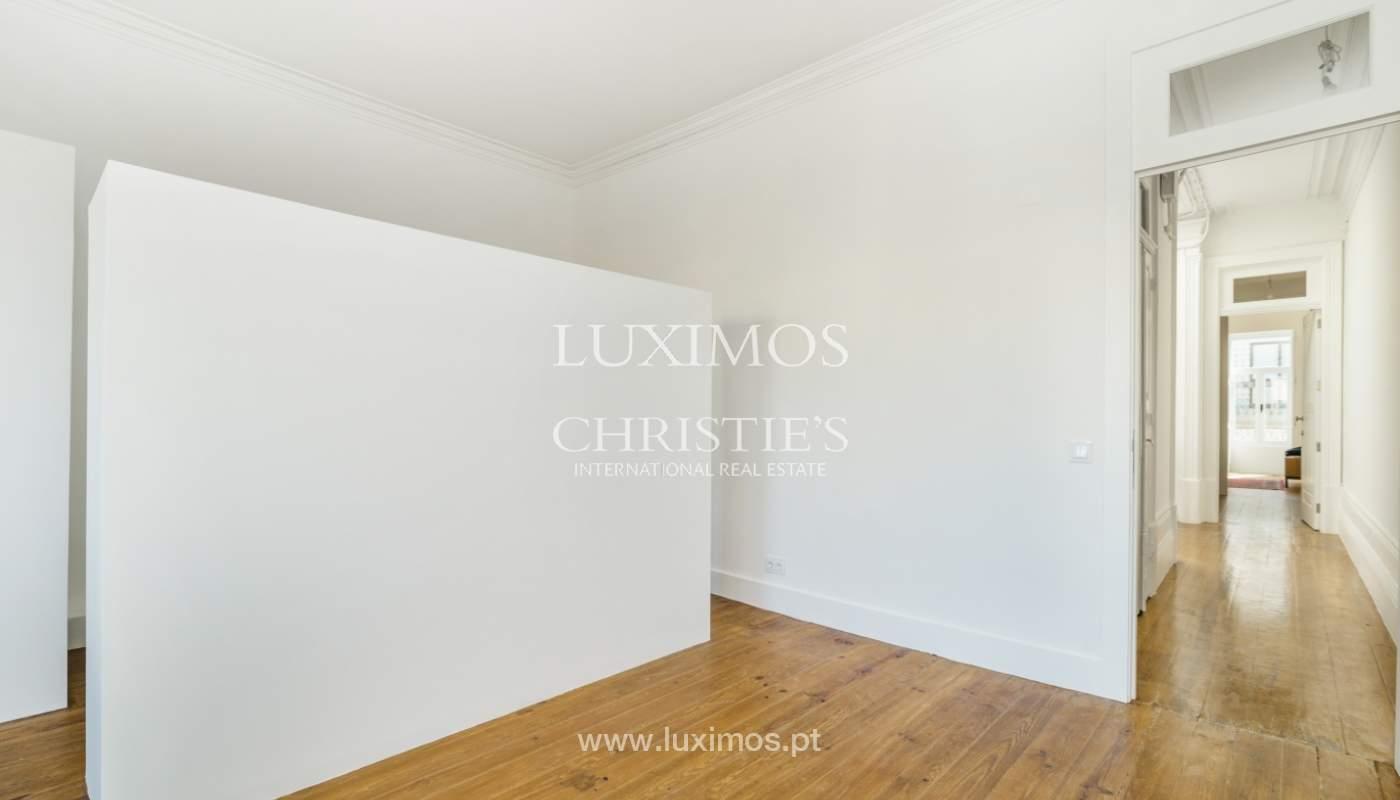 Venda de apartamento remodelado, no Centro do Porto_148664