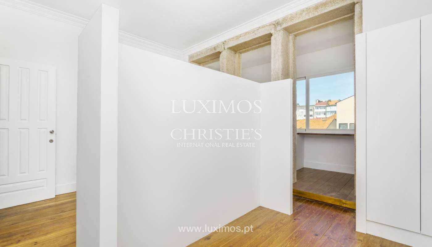Venda de apartamento remodelado, no Centro do Porto_148665
