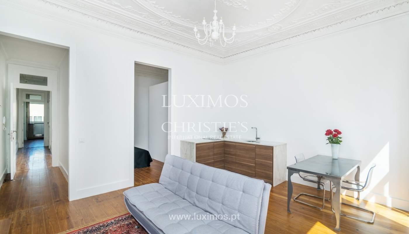 Venda de apartamento remodelado, no Centro do Porto_148672