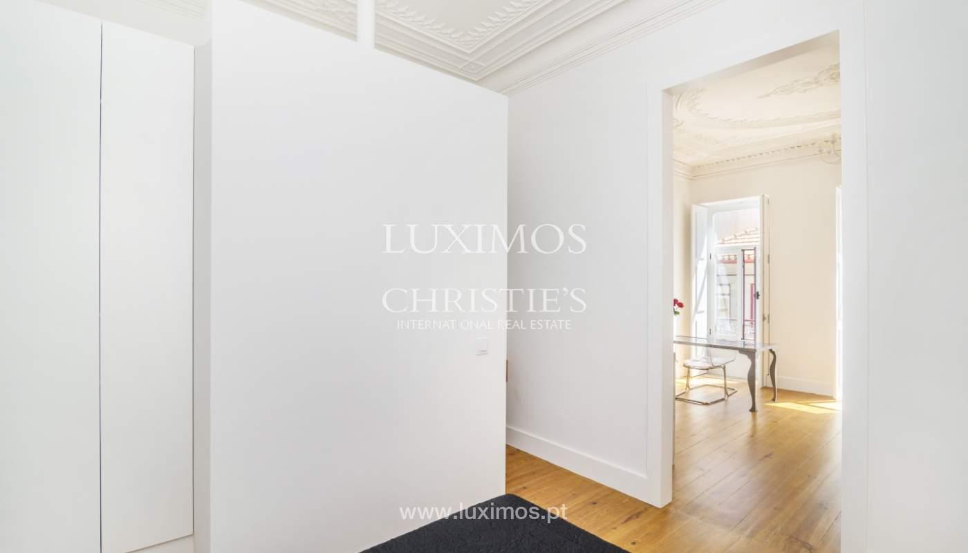 Venda de apartamento remodelado, no Centro do Porto_148677