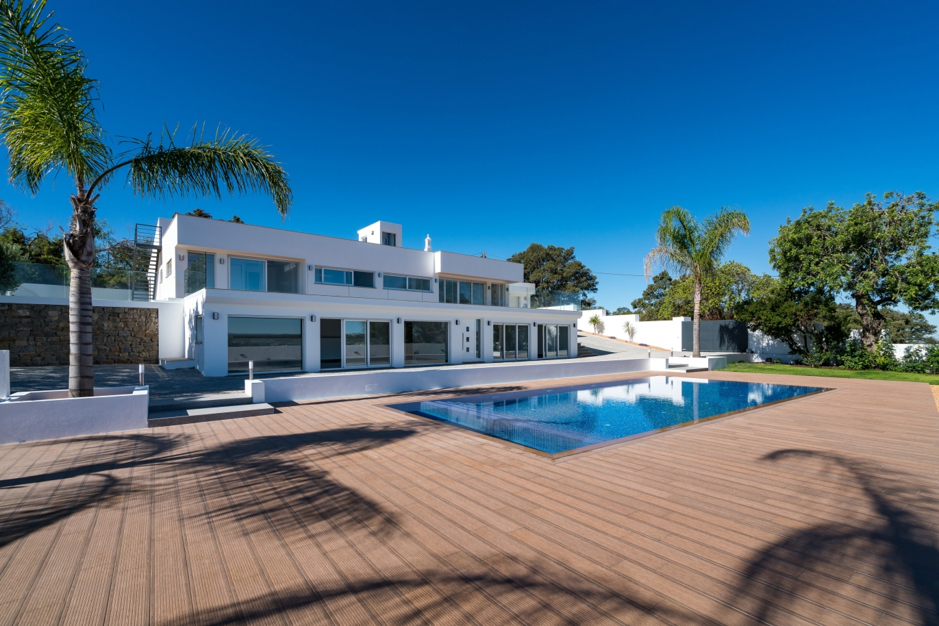 new-5-bedroom-villa-with-swimming-pool-santa-barbara-de-nexe-algarve