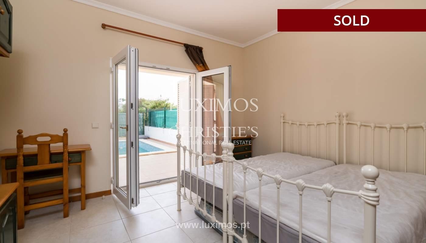 Villa de 2 dormitorios, con piscina, en venta, Carvoeiro, Algarve_149417