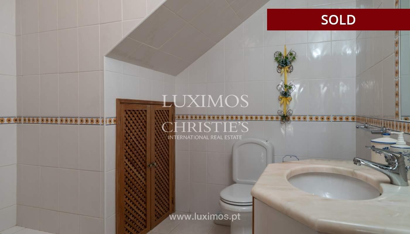 Villa de 2 dormitorios, con piscina, en venta, Carvoeiro, Algarve_149418