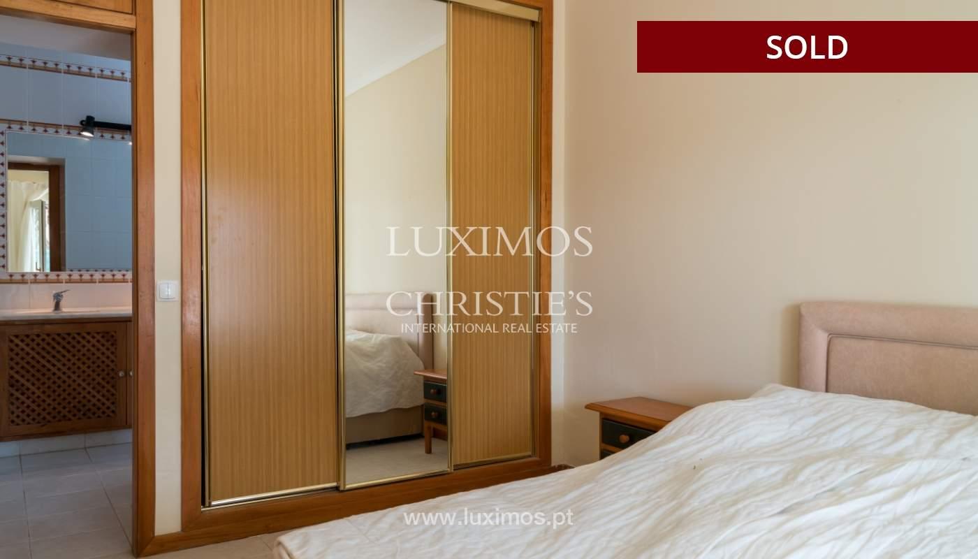 Villa de 2 dormitorios, con piscina, en venta, Carvoeiro, Algarve_149420