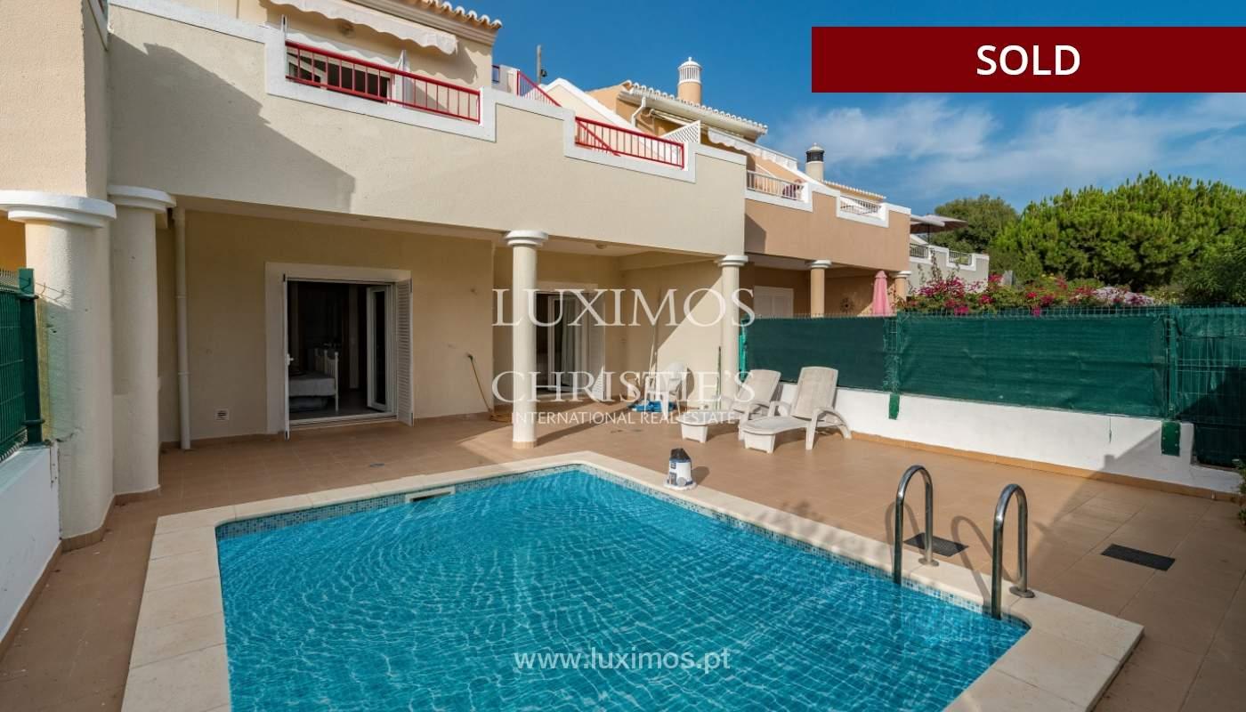 Villa de 2 dormitorios, con piscina, en venta, Carvoeiro, Algarve_149485