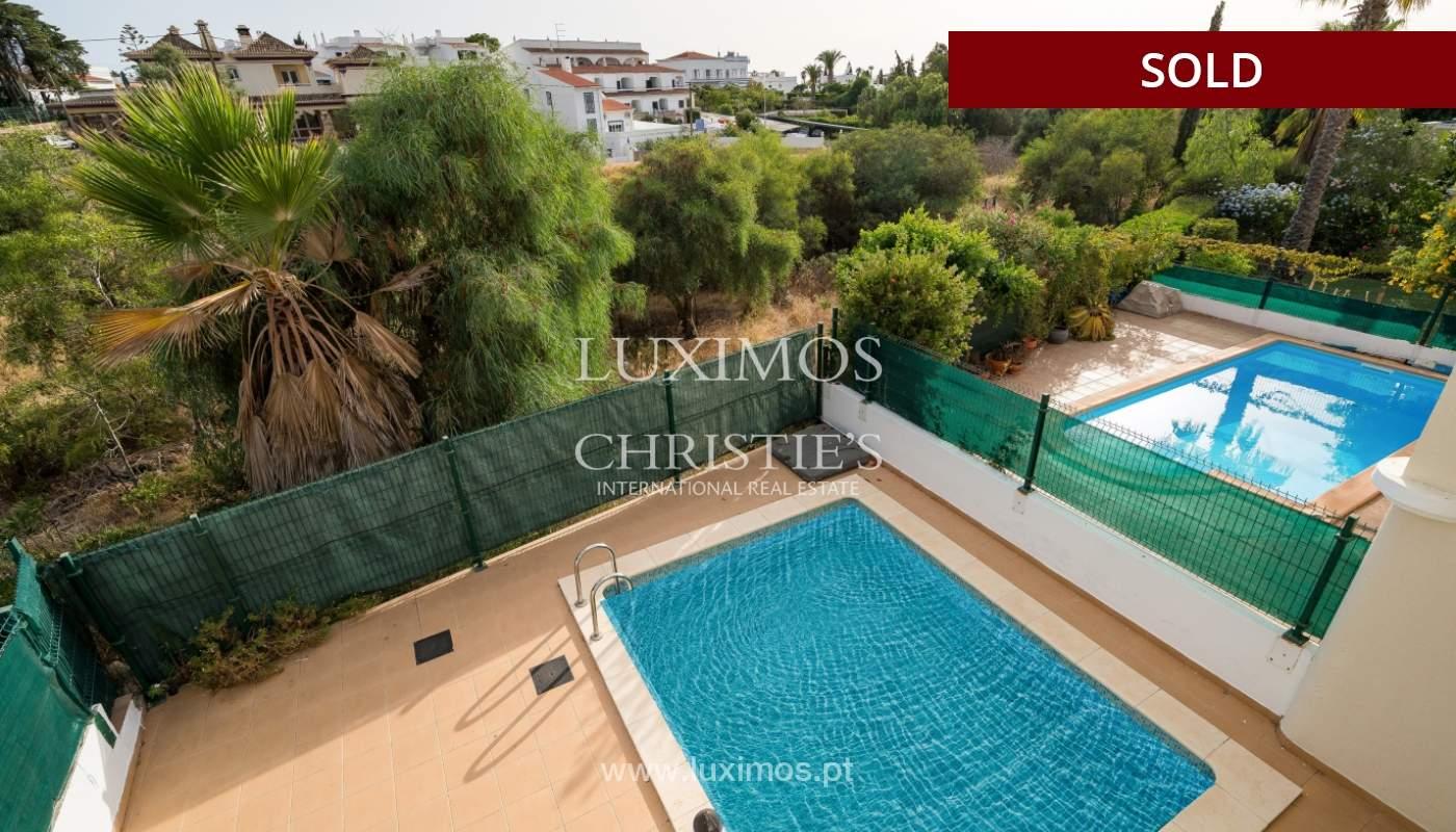 Villa de 2 dormitorios, con piscina, en venta, Carvoeiro, Algarve_149487