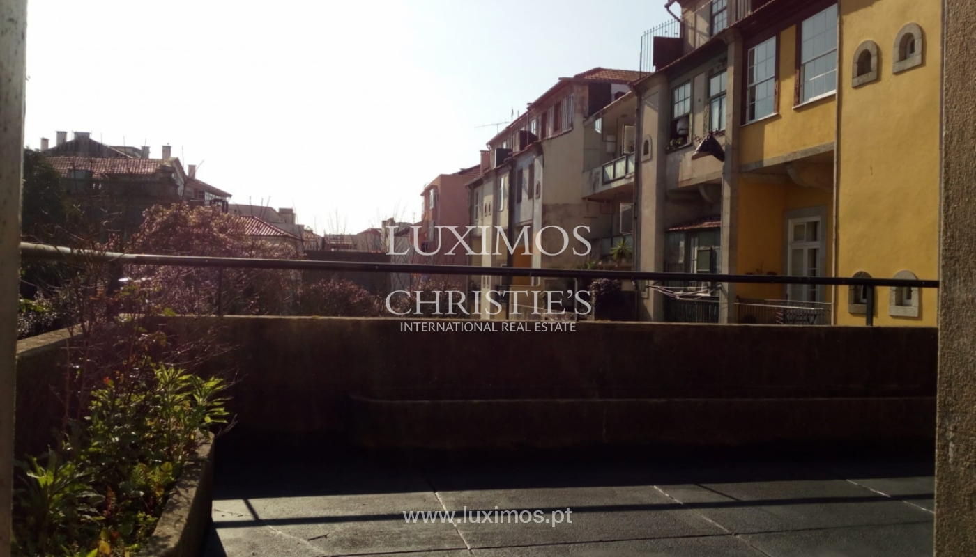 Building, for sale, in central location of the city of Porto, Portugal_149959