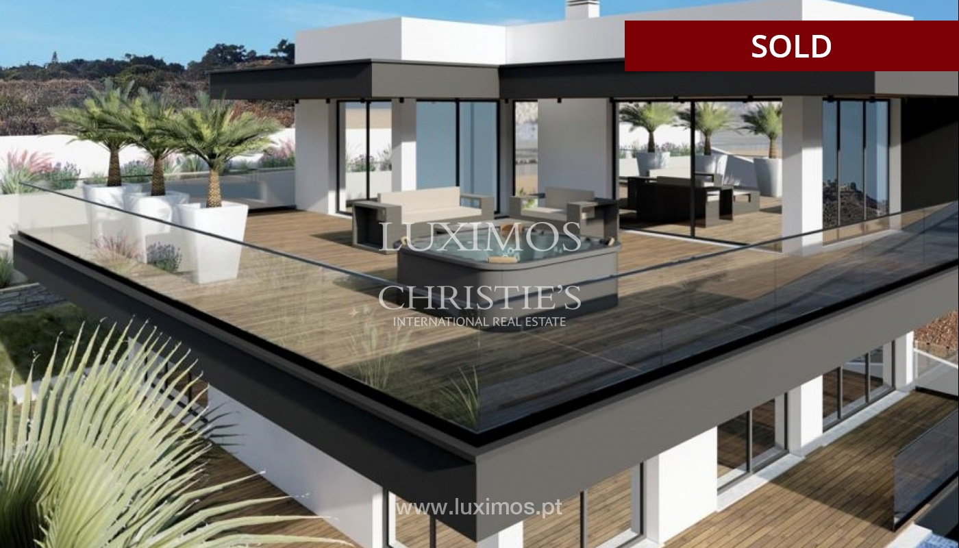 Villa de 4 dormitorios con piscina, en construcción, Albufeira, Algarve_150206