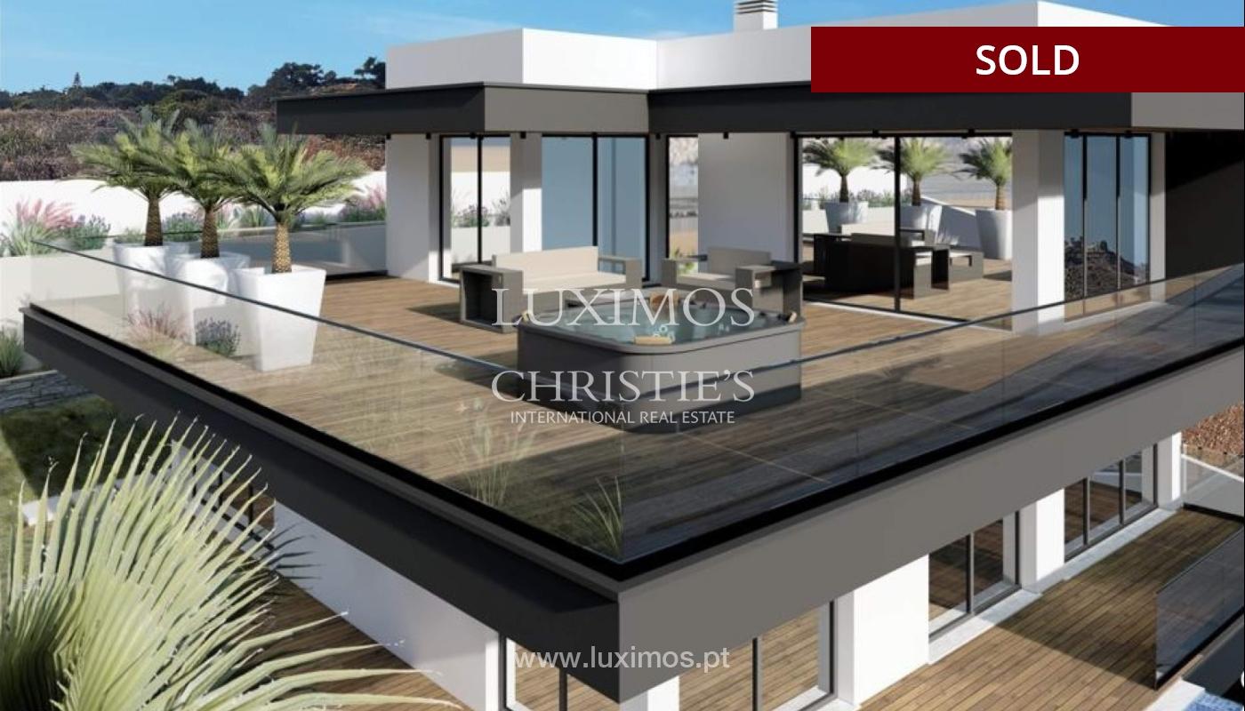 Villa de 4 dormitorios con piscina, en construcción, Albufeira, Algarve_150211