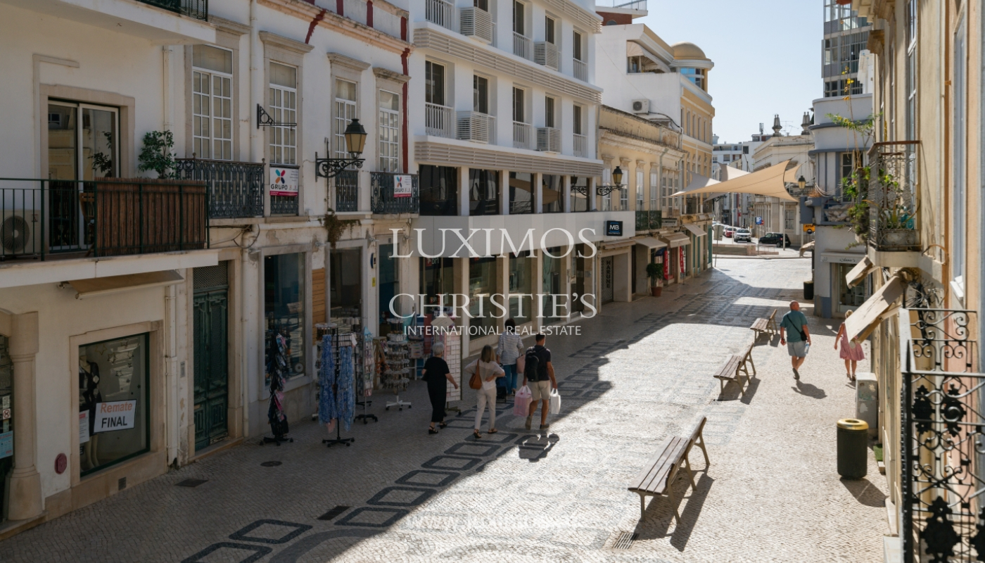 Building with apartments and commercial spaces, Downtown Faro, Algarve_150491