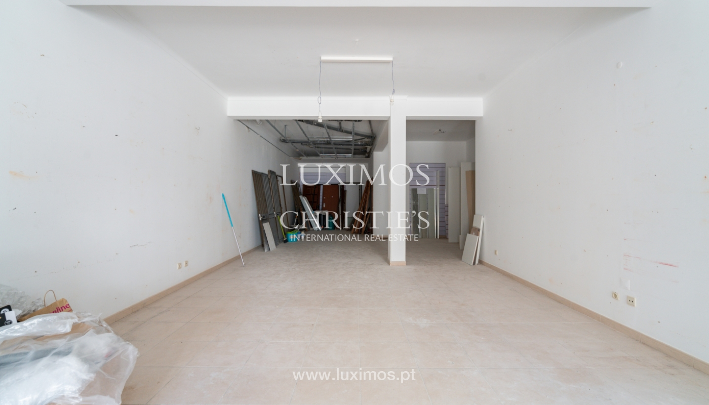 Building with apartments and commercial spaces, Downtown Faro, Algarve_150540
