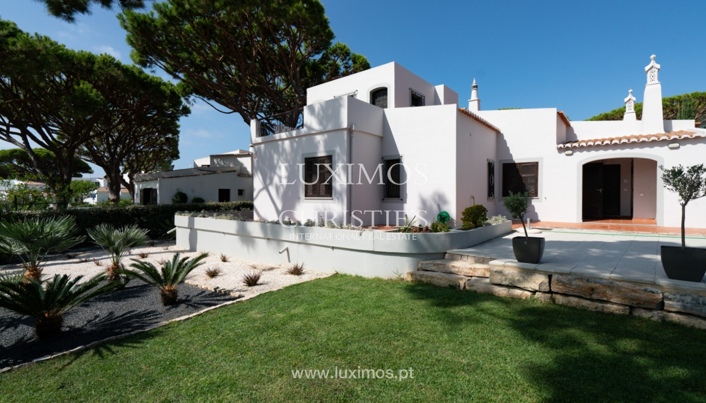 Villa traditionnelle à vendre, avec piscine, Vale do lobo, Algarve_150638