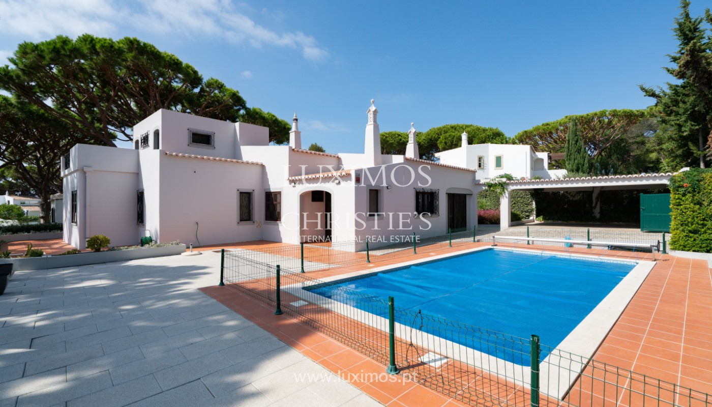 Villa traditionnelle à vendre, avec piscine, Vale do lobo, Algarve_150643