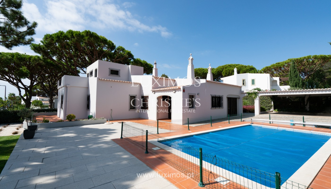 Villa traditionnelle à vendre, avec piscine, Vale do lobo, Algarve_150644