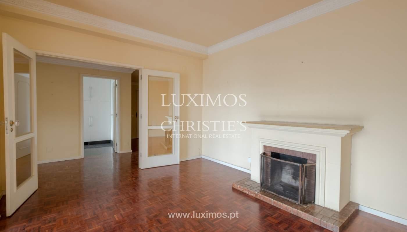 Arrendamento de apartamento com varanda, na Boavista_150949