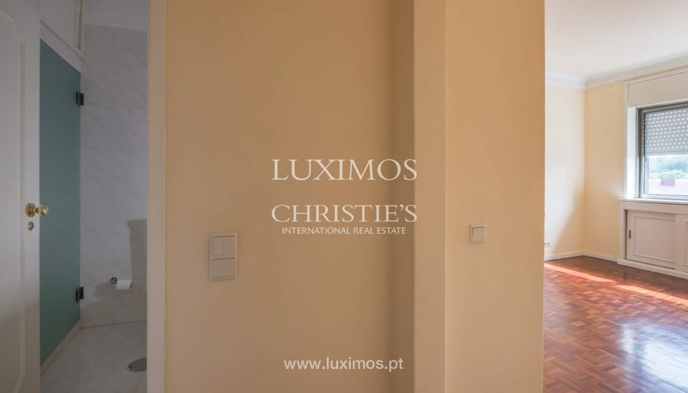 Arrendamento de apartamento com varanda, na Boavista_150969