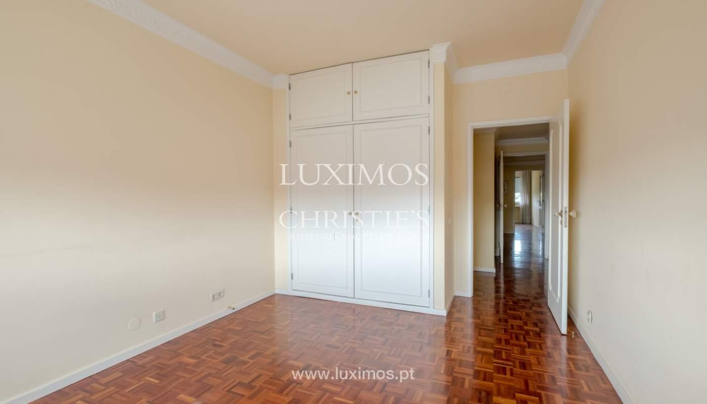 Arrendamento de apartamento com varanda, na Boavista_150981