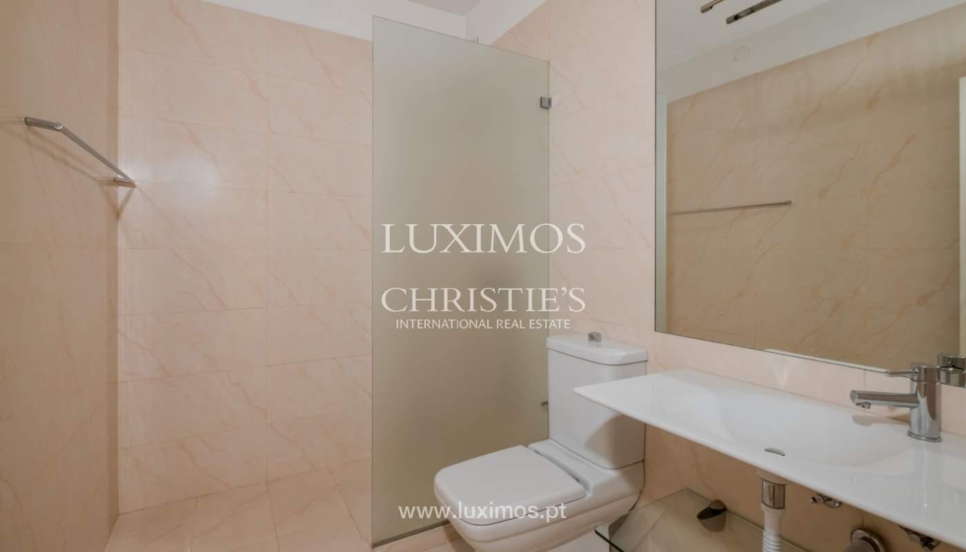 Arrendamento de apartamento com varanda, na Boavista_150983